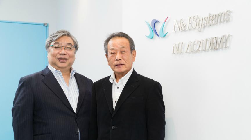 代表取締役会長 青木 健一郎と代表取締役社長 川瀬 勉